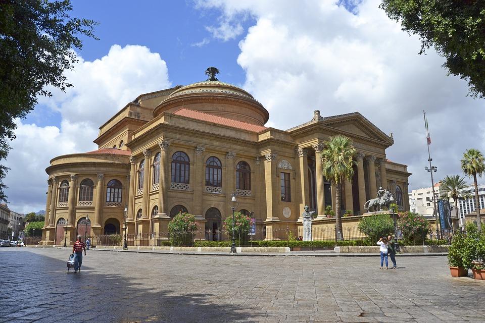 Guida ai traghetti per Palermo